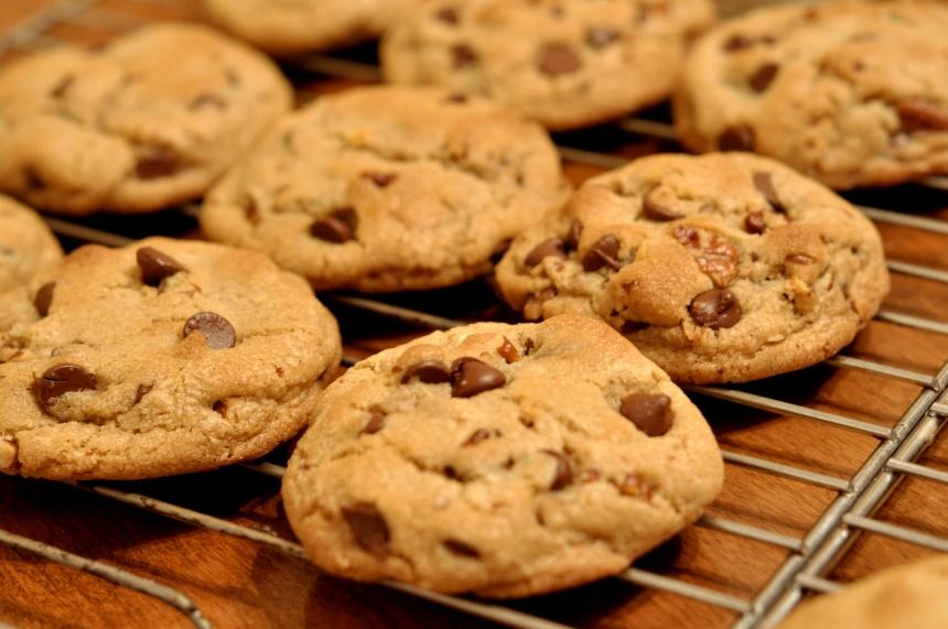 Chocolate_Chip_Cookies_-_kimberlykv